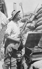 Soldierintrenches_1915_gallipolli_web